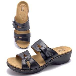 Clarks 9M Black Leather Lighweight Sandals Slides